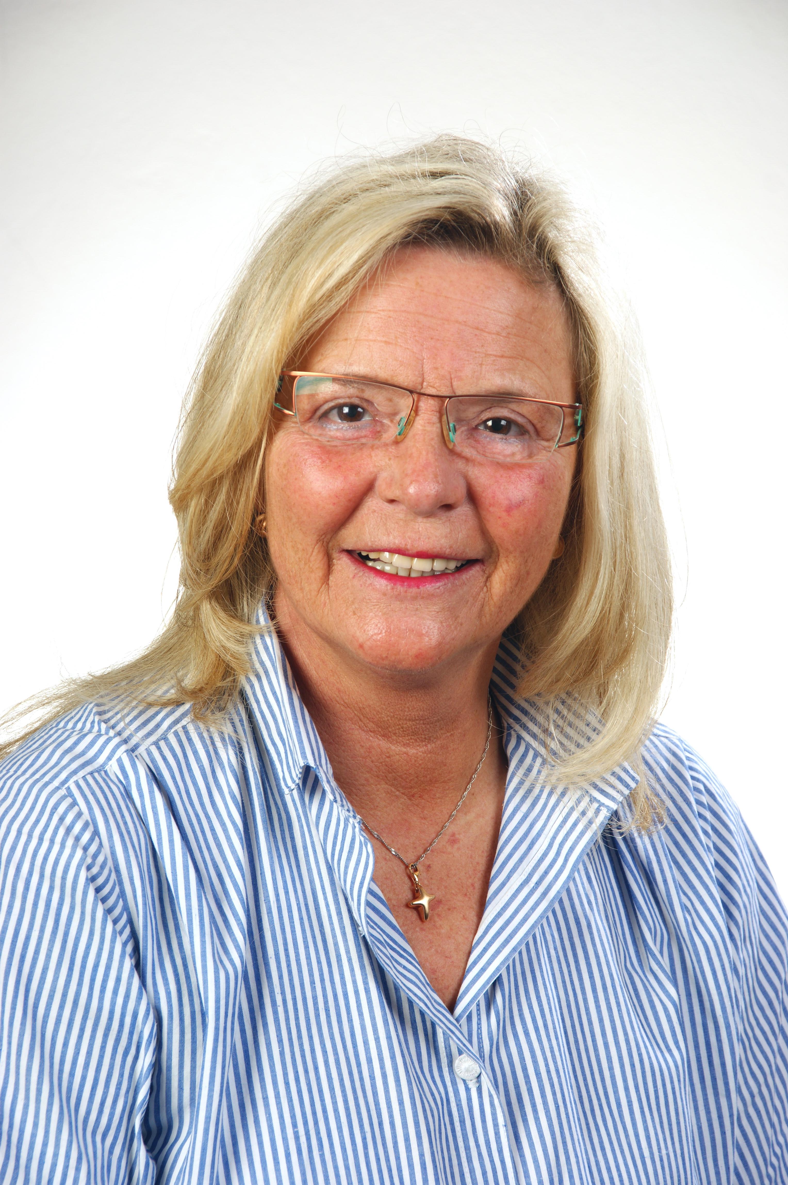 Max Schunke <b>Annette Schröder</b> Vorsitzender und Rechtsanwalt, Sachbearbeiterin - DSC06040_1Guth